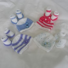 2-3lb Premature Baby Hats and Bootees #107